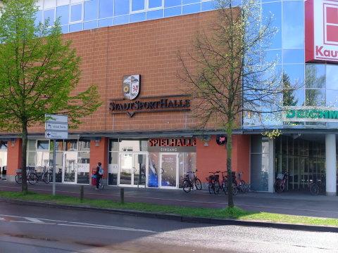 Stadtsporthalle (Eingang)